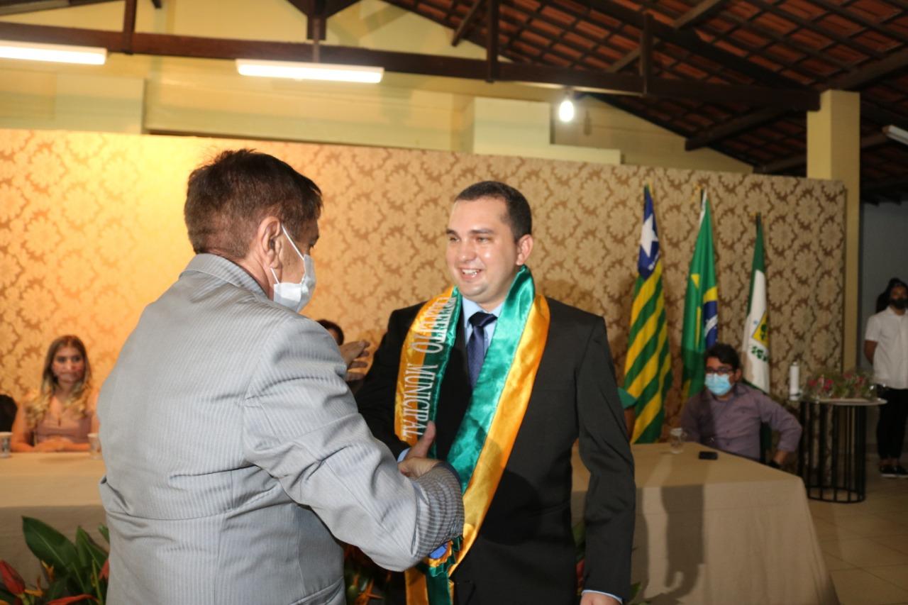 Confira as fotos da posse do prefeito Márcio Moura em Simplício Mendes