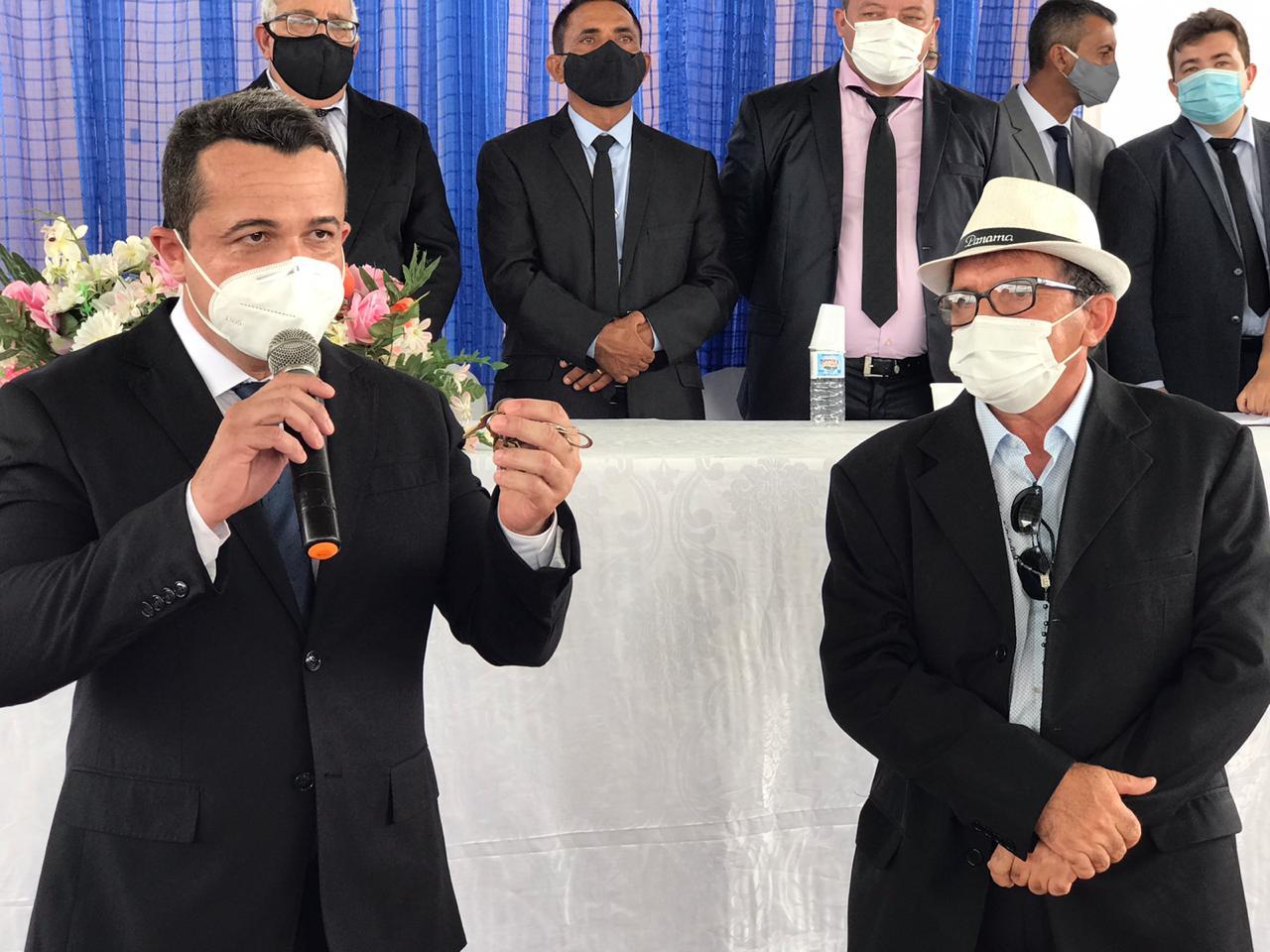 Dr. Naerton Moura e Chaguinha tomam posse em Sussuapara