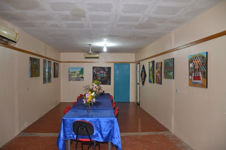 Artista plásitco promove exposição na Alerp