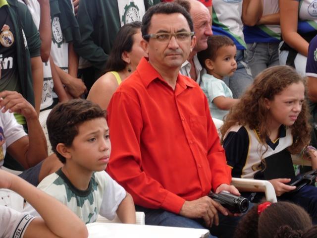 Colégio São Lucas homenageia o poeta Vilebaldo Rocha
