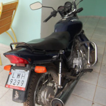 Moto de jornalista é furtada no Cajufestmel