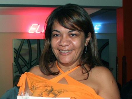 Professora picoense lança livro no Paraná