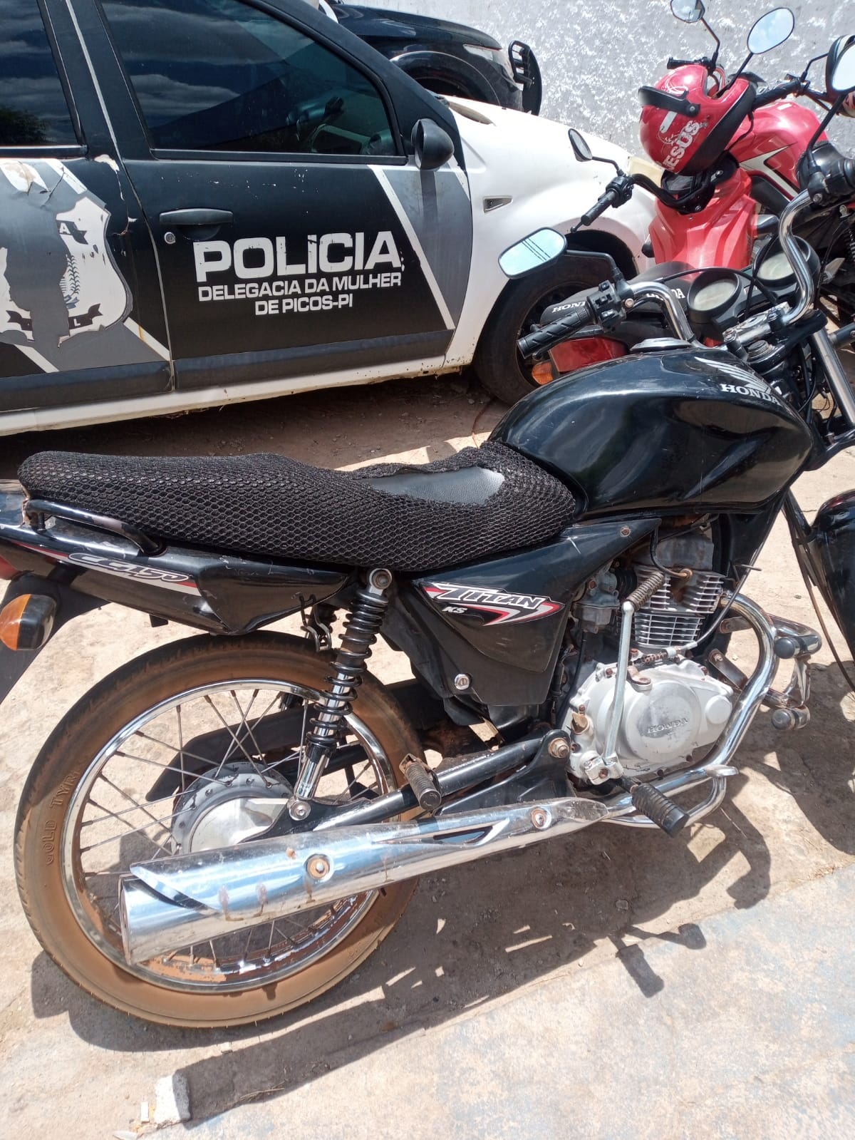 Em Itainópolis, Polícia Militar recupera motocicleta com restrição de furto e roubo
