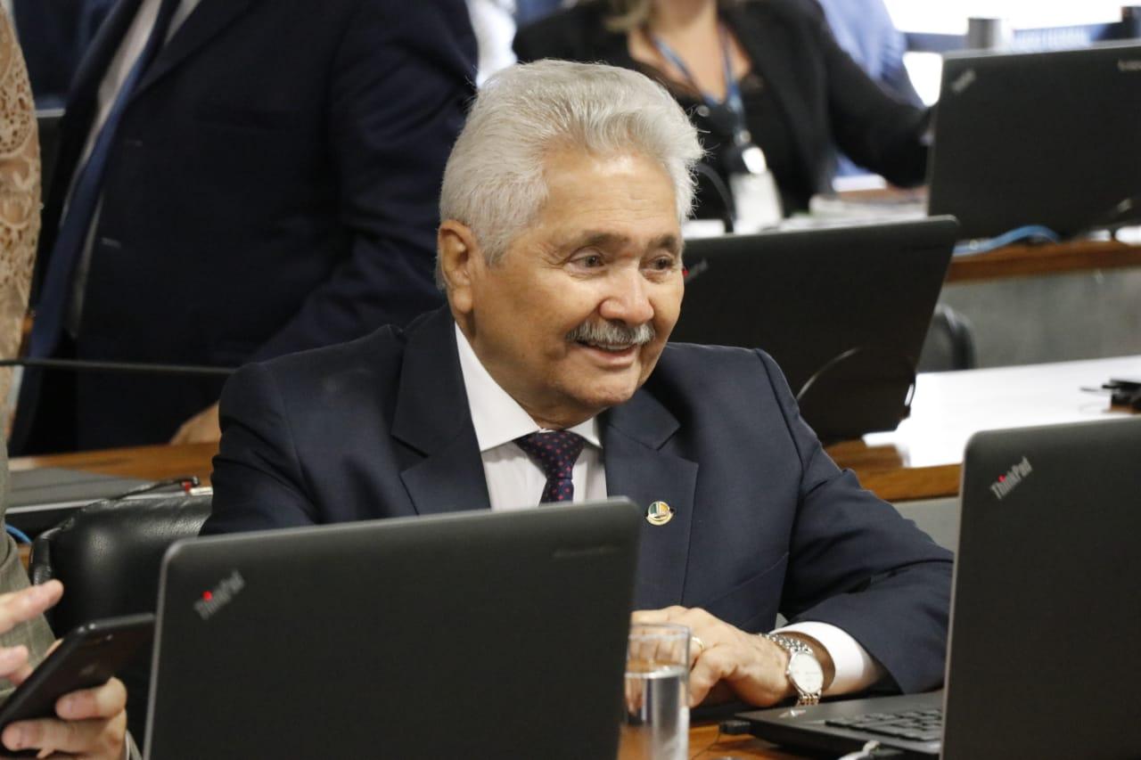Elmano Férrer defende planejamento para o retorno da construção civil no Piauí
