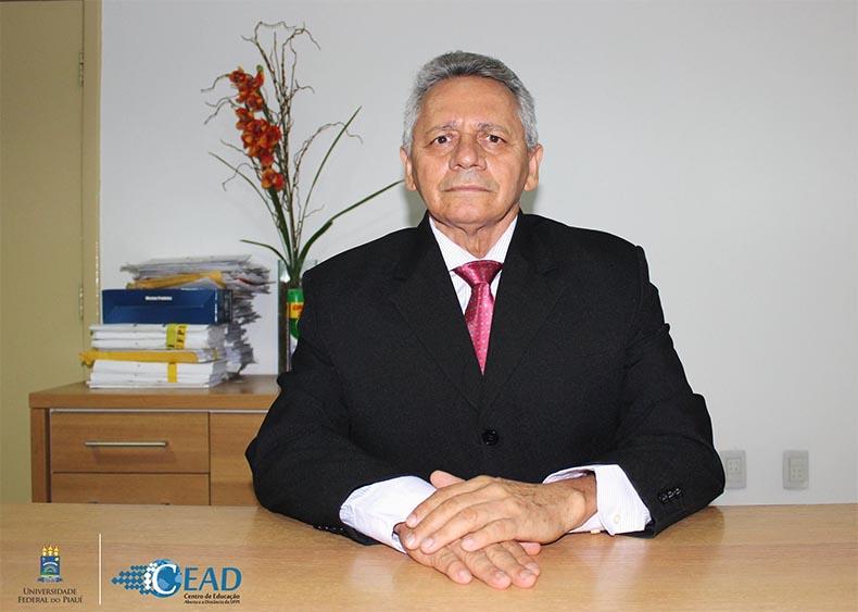Bolsonaro nomeia professor Gildásio Guedes para ser o novo reitor da Ufpi