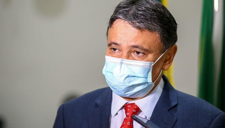 Proposta antimáscaras de Bolsonaro é jogar querosene em incêndio, diz governador