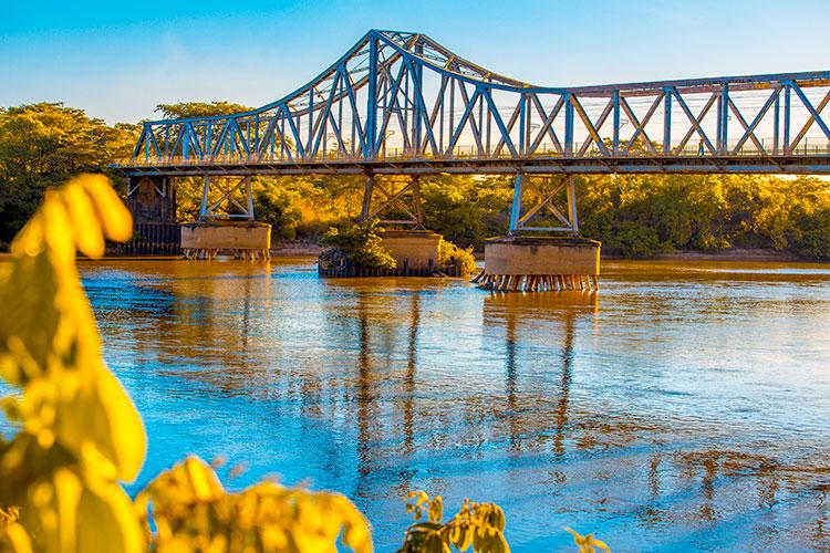 Coronavírus: Ponte Metálica é fechada por tempo indeterminado