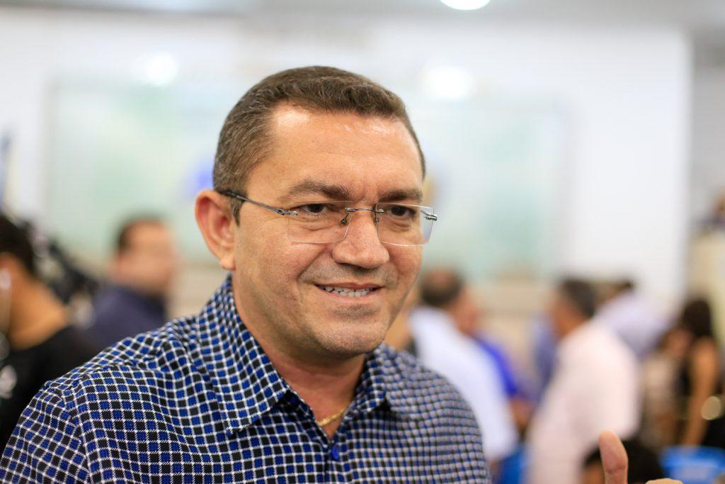 Prefeito de Picos suspende campanha eleitoral com aumento de casos da Covid-19