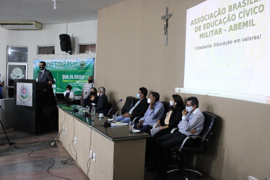 Câmara de Picos sedia Simpósio e Audiência Pública para implantação de Escola Cívico-Militar