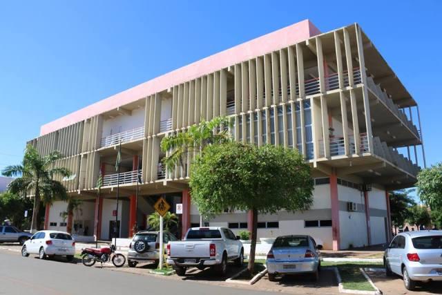 Servidores contratados pela prefeitura de Picos vão ser exonerados no dia 30 de novembro