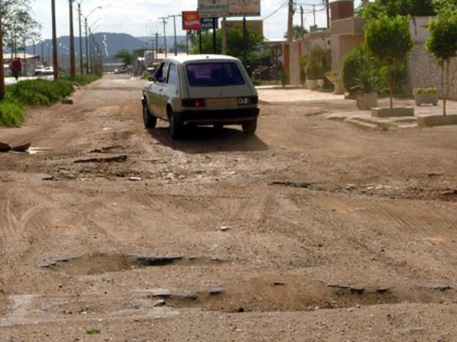 Elmano Férrer anuncia início das obras de pavimentação na travessia urbana de Picos