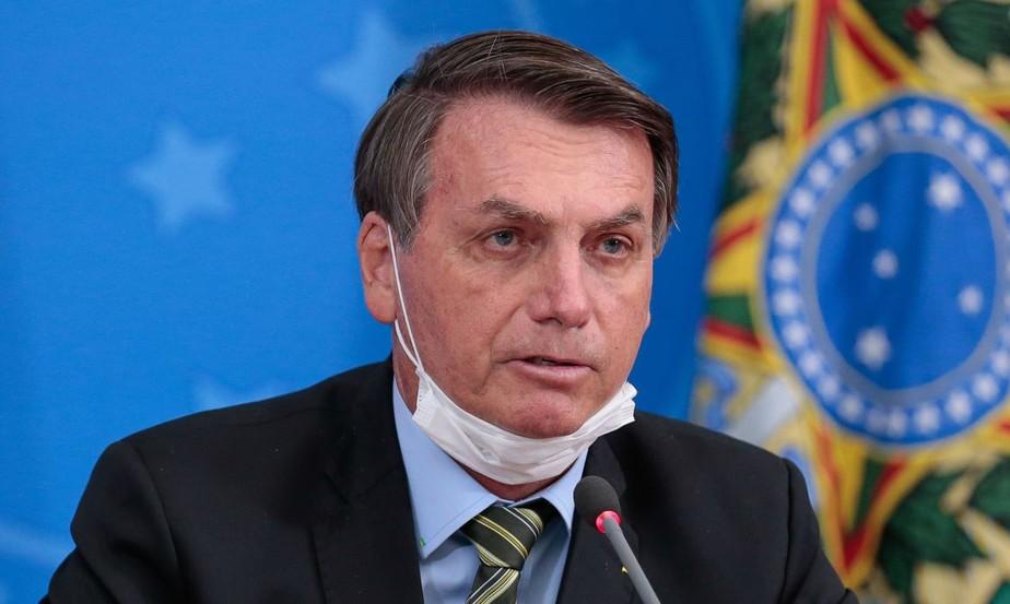 Bolsonaro vê abusos, violação de direitos e diz que tomará 'medidas legais' para proteger Constituição