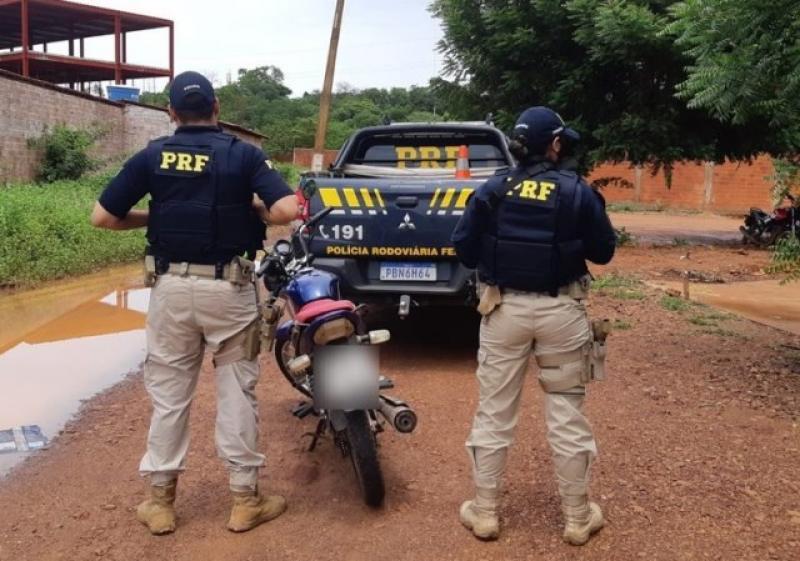 Em Picos, PRF apreende na BR 316 motocicleta roubada há 09 anos em Teresina