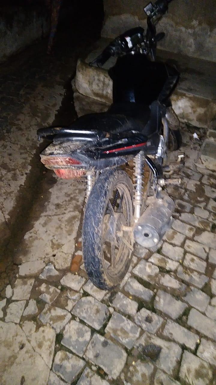 Polícia Militar recupera motocicleta roubada em Picos