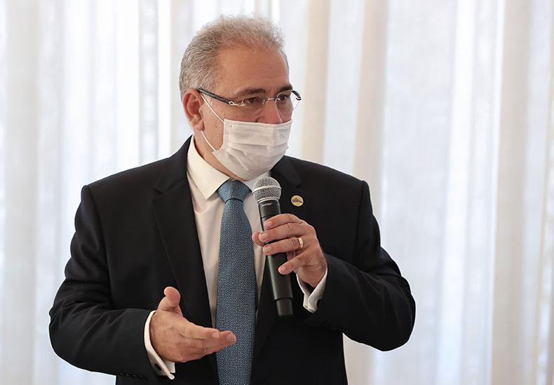 Queiroga diz que há excesso de vacinas no Brasil