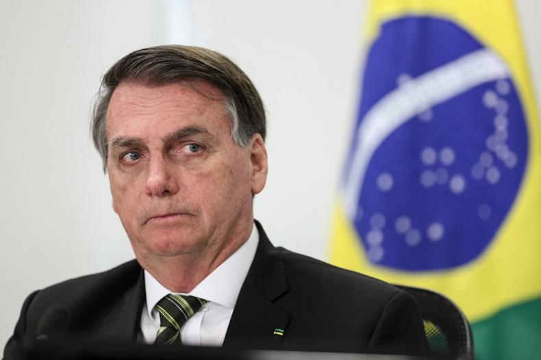 Bolsonaro veta parte de perdão às igrejas, mas estimula derrubada do próprio veto