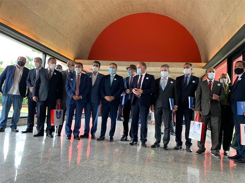 Governadores de 18 estados decidem ir ao STF contra convocação da CPI da Covid