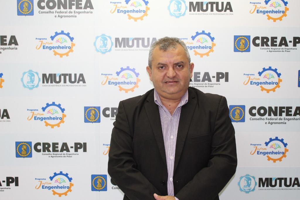 Com Covid-19, engenheiro Antônio Moura Fé segue internado em estado grave