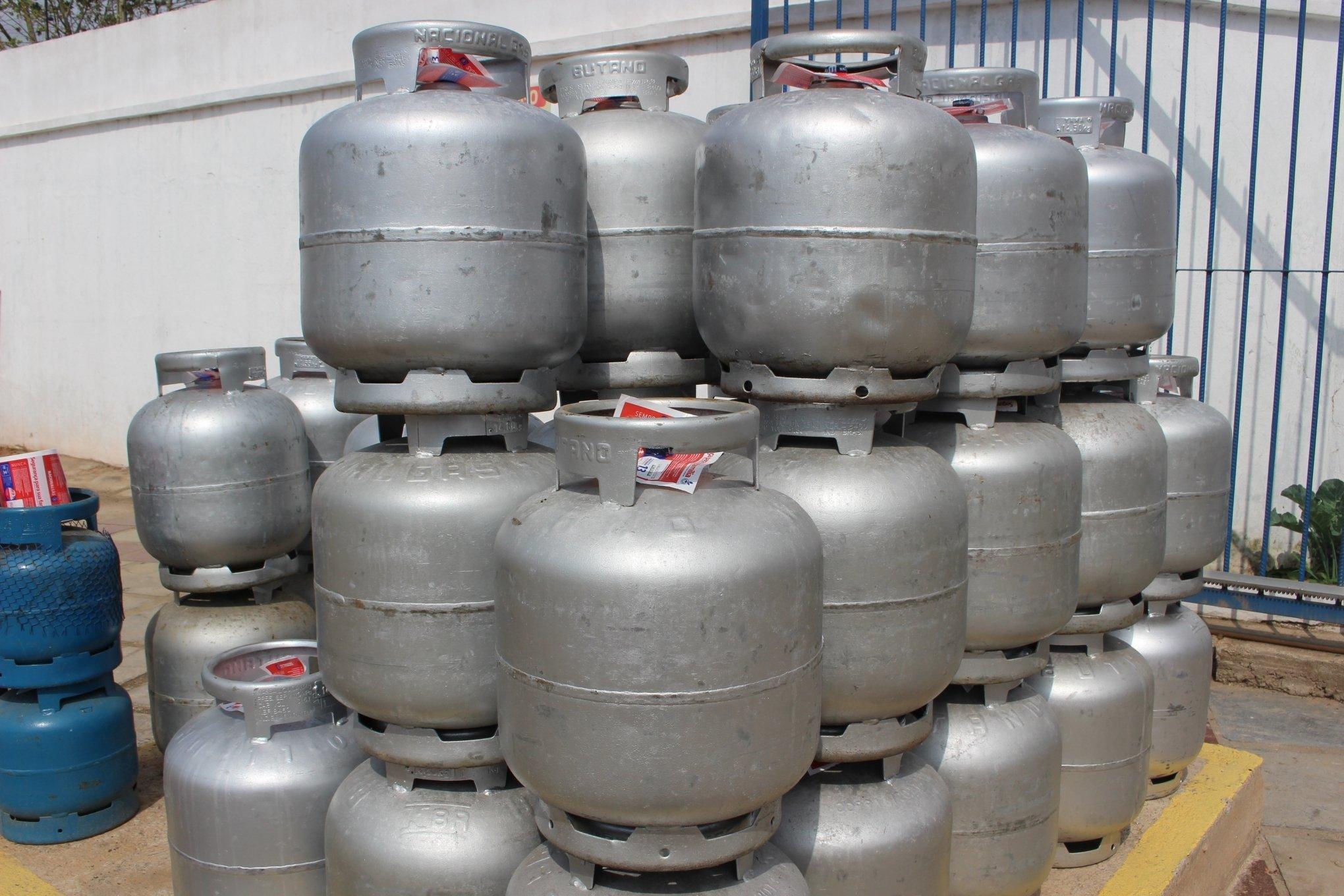 Botijão do gás de cozinha chega a R$ 105,00 no Piauí