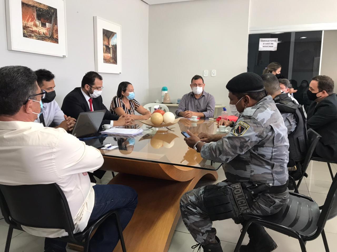 Câmara Municipal de Picos realiza reunião para tratar sobre regularização dos entregadores de aplicativos de delivery no município