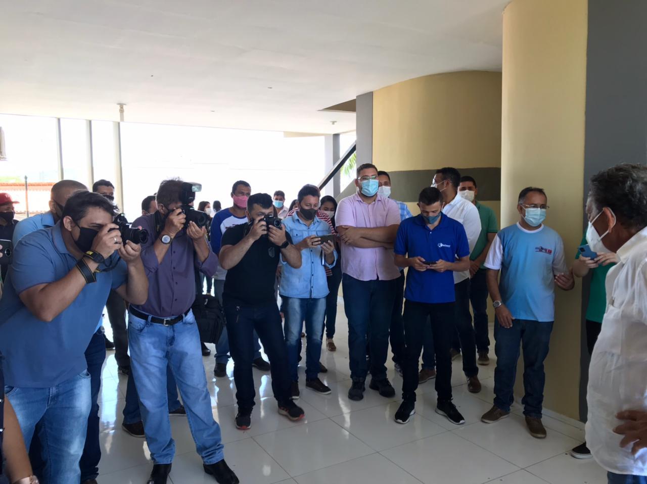 Prefeitura de Picos realiza confraternização com a imprensa picoense em alusão ao Dia do Jornalista