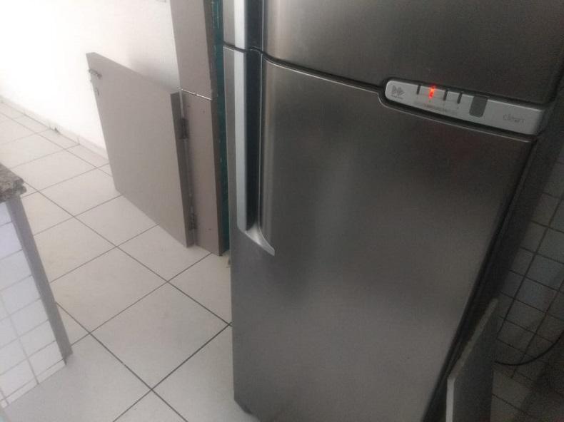 Criança de 9 anos morre após sofrer descarga elétrica em geladeira