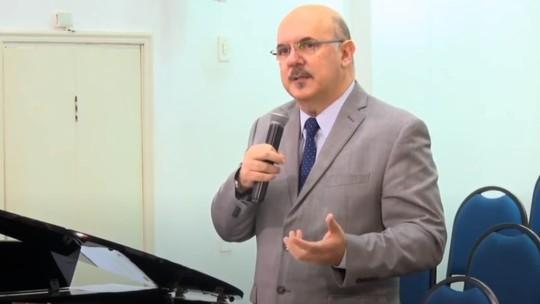 Novo ministro da educação usa palavras de educador