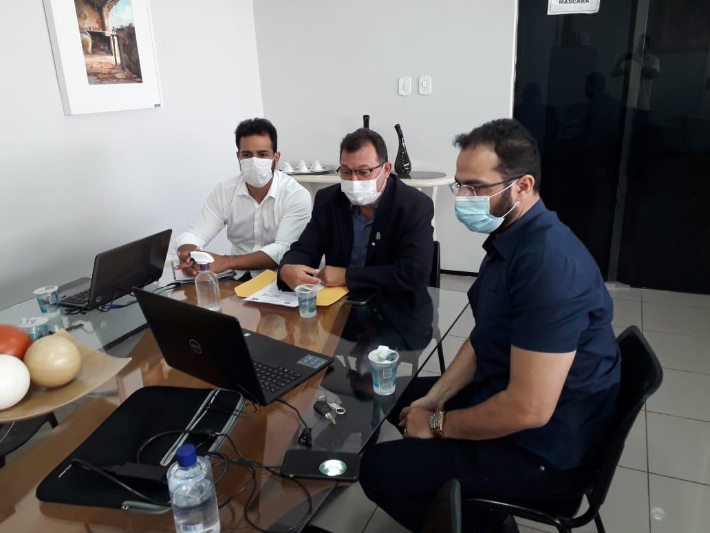 Vereador Chaguinha se reúne com Desembargador para tratar sobre regularização dos imóveis urbanos de Picos