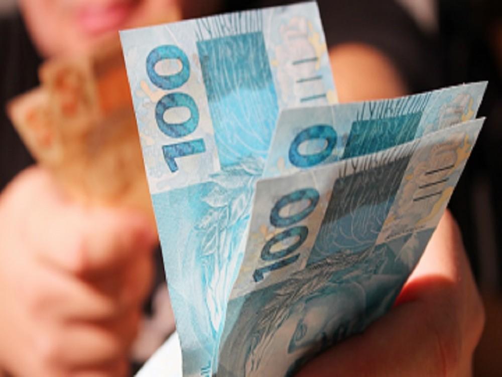 Em crise, 58 municípios do Piauí não pagaram 13º salário aos servidores