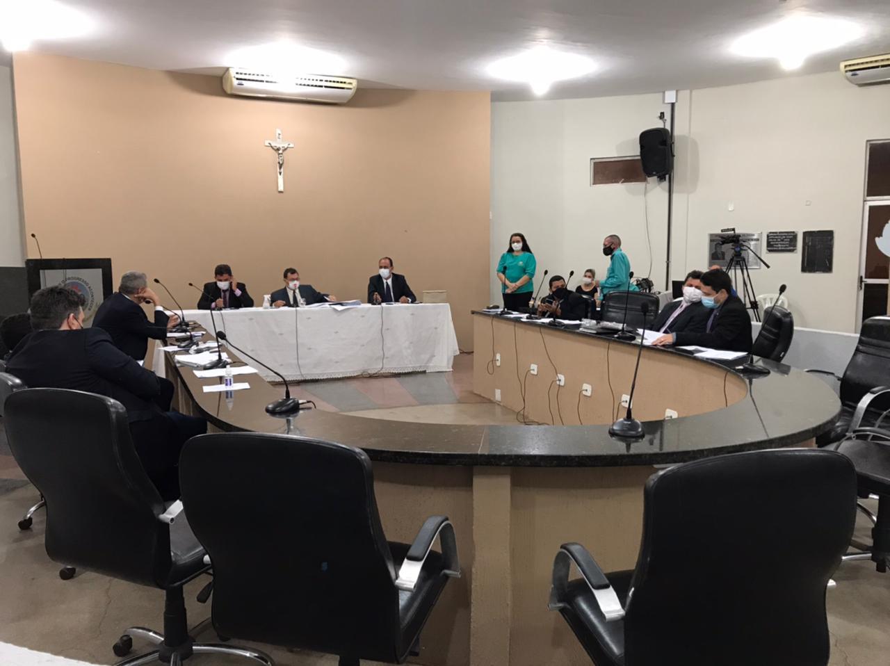 Vereadores aprovam reajuste no salário de servidores efetivos da Câmara Municipal