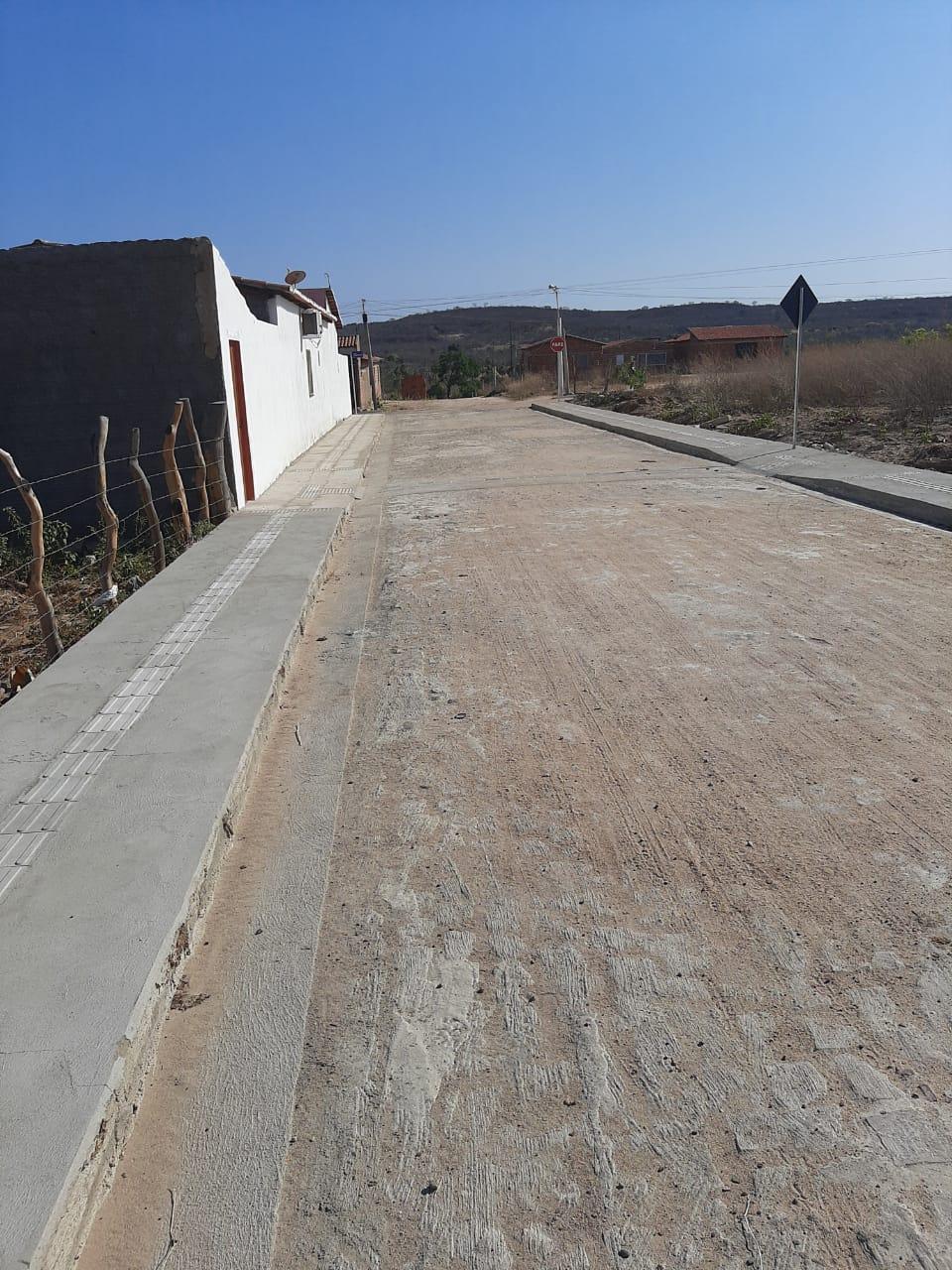 Obras de pavimentação poliédrica em Santo Antônio de Lisboa estão em fase de conclusão