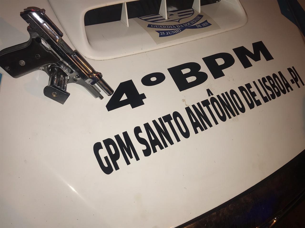 Polícia Militar encerra aglomeração em chácara e apreende uma arma de fogo em Santo Antônio de Lisboa
