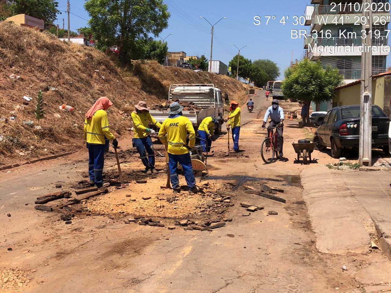 Teve início obra de pavimentação das vias laterais da BR-316 em Picos