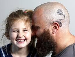 Ajudar o pai a voltar a ouvir é o melhor presente que ele pode ganhar!