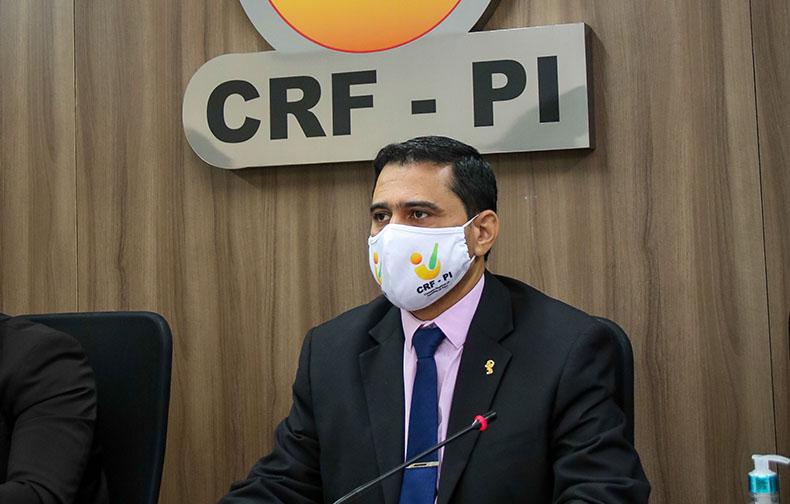 Automedicação deve ser descartada na prevenção da Covid-19, diz CRF