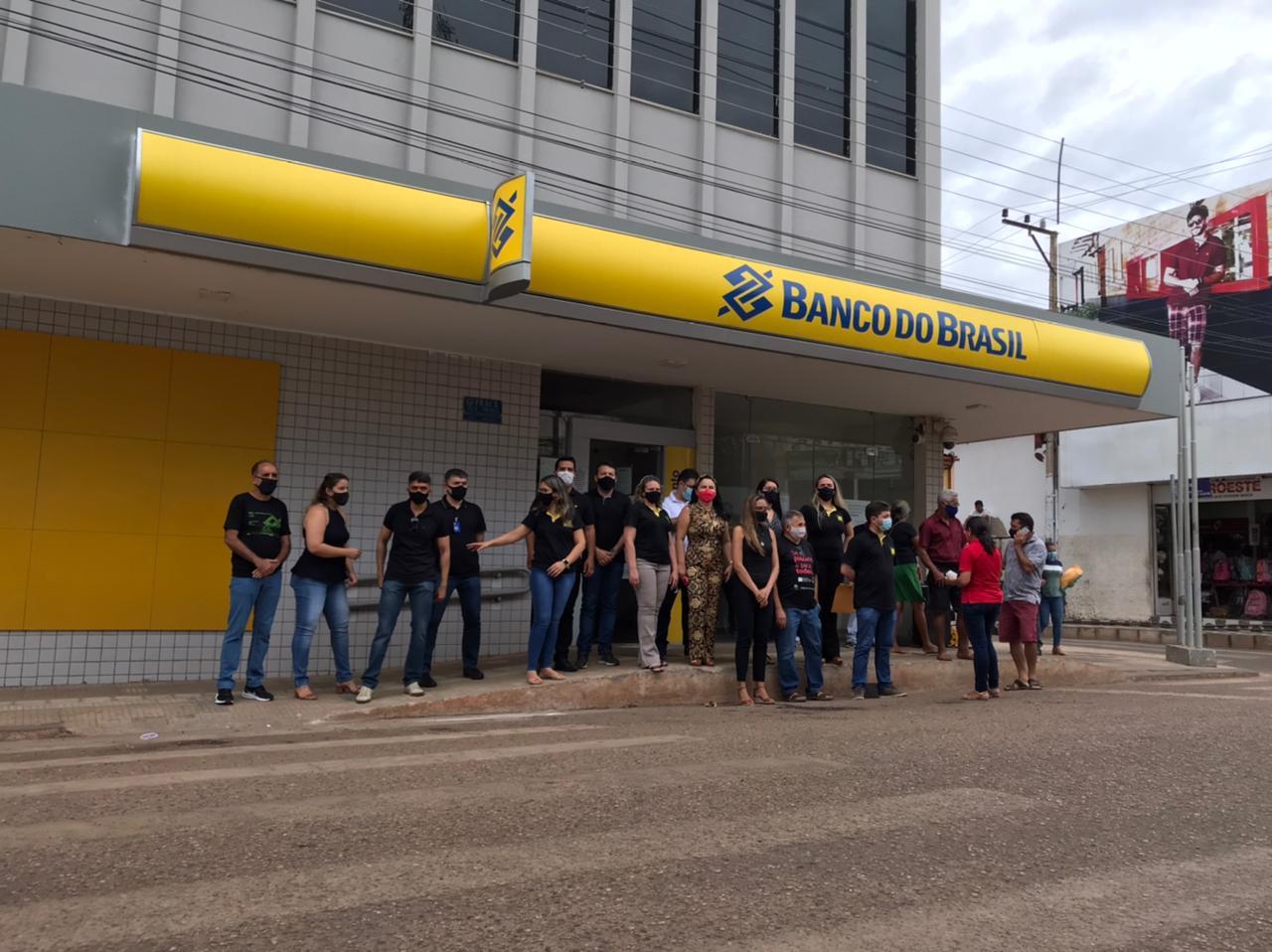 Bancários de Picos fazem manifestação contra reestruturação do BB