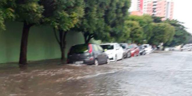 Chove em 5 dias metade do esperado para todo o mês de fevereiro na capital