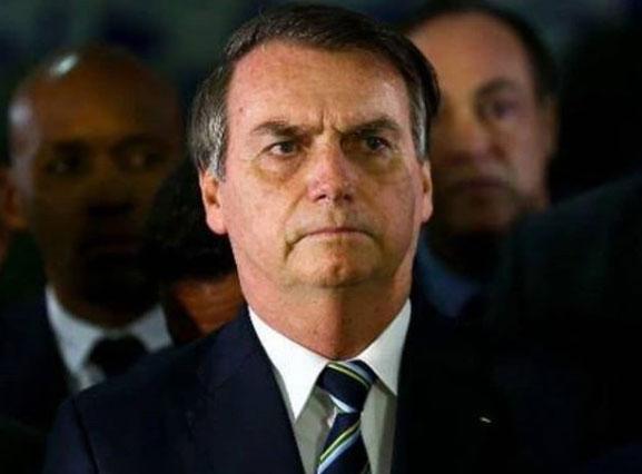 Sem dar detalhes, Bolsonaro diz que passará por nova cirurgia