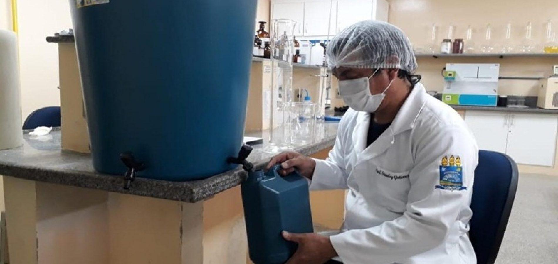 Professores da UFPI produzem álcool 70% e material é doado aos hospitais públicos