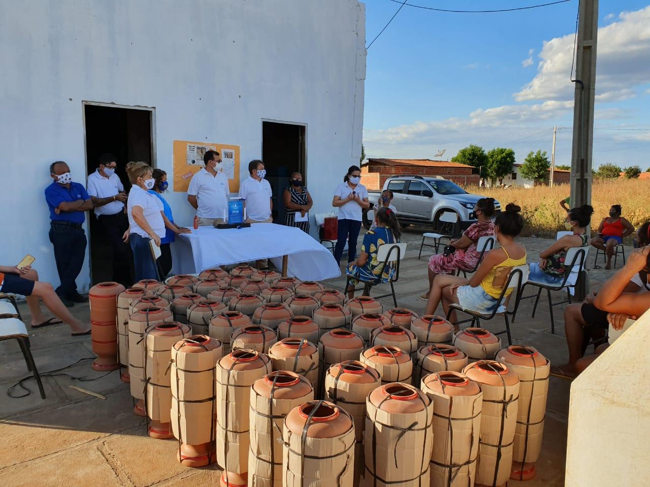 Rotary Club de Picos faz doação de 50 filtros de água no bairro Cidade de Deus