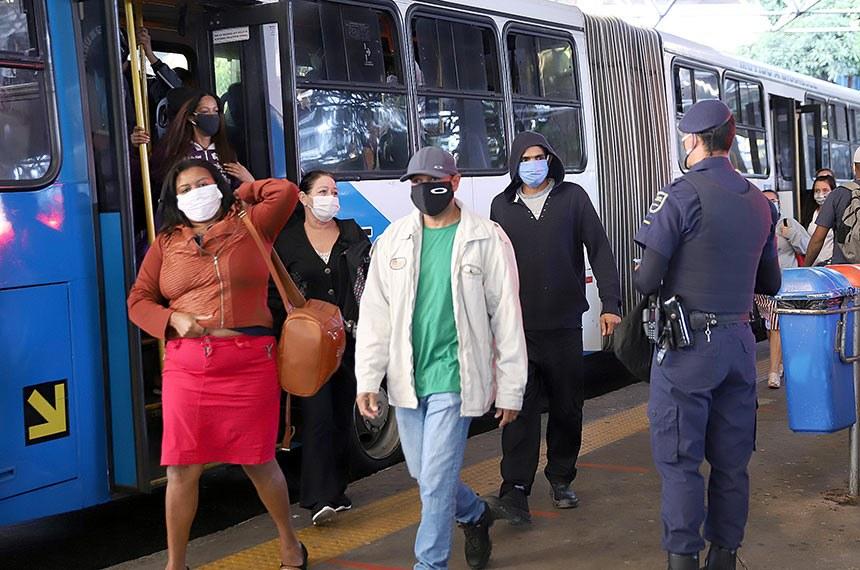 Insegurança de voltar às ruas atinge nove em dez pessoas, aponta DataSenado  Fonte: Agência Senado