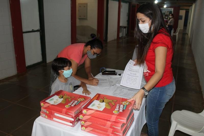 Prefeitura de Picos realiza entrega de livros para educação infantil