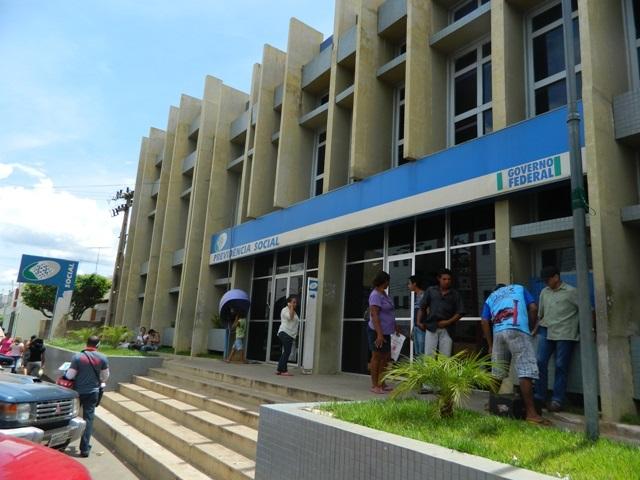 INSS inicia força-tarefa para reduzir fila para benefício assistencial