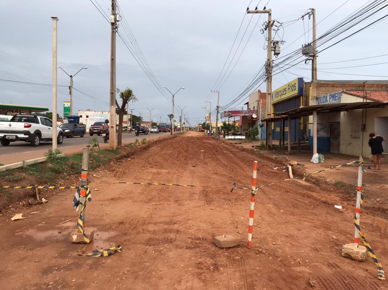 Obras nas laterais da BR 316 são paralisadas durante o período chuvoso em Picos