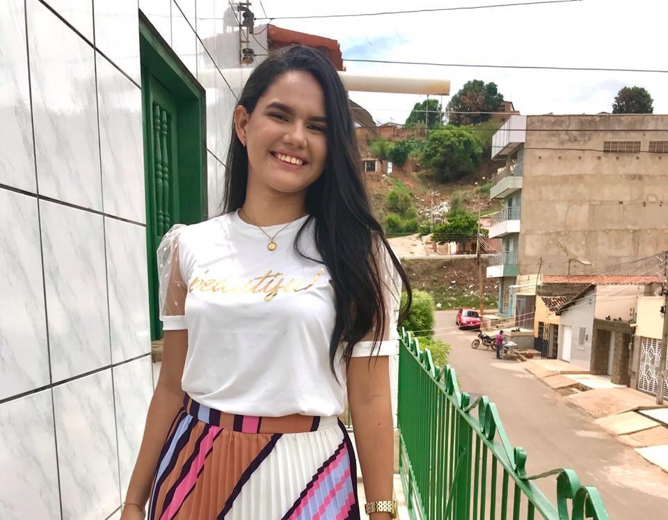 Cantora picoense é semifinalista em concurso nacional de canto