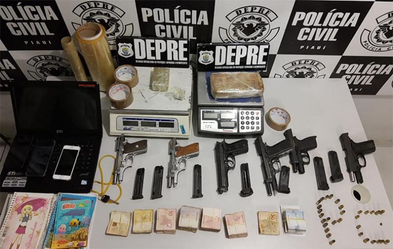 Mototaxista é suspeito de esconder pistolas da PM para facção criminosa