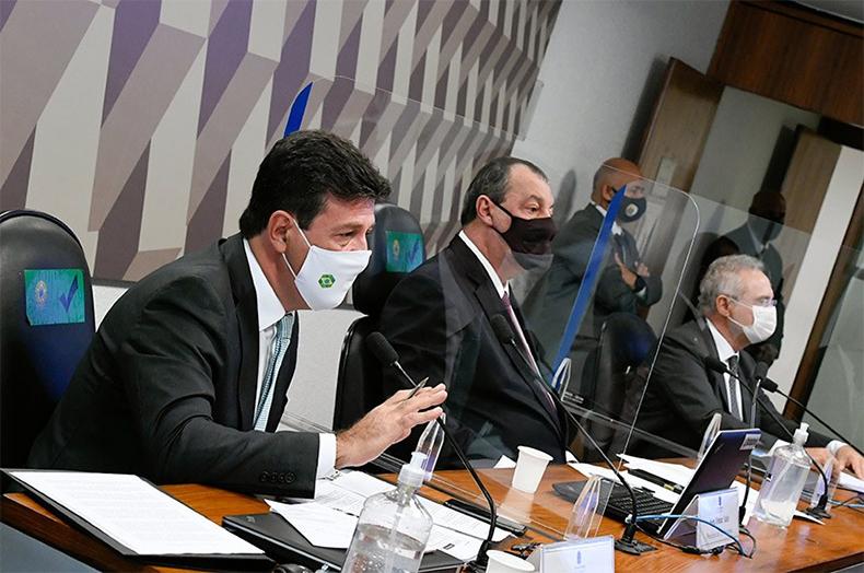 Mandetta aponta à CPI desprezo de Bolsonaro pela ciência, e Renan lista 'revelações graves'