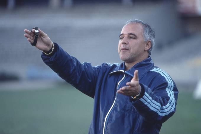 Morre o técnico Valdir Espinosa aos 72 anos
