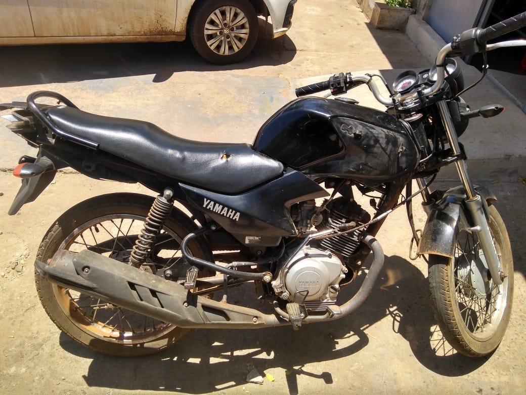 Polícia Militar recupera motocicleta roubada e prende suspeito na zona rural de Sussuapara